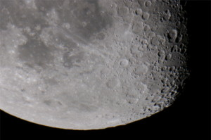 Månen optaget med Wieth-Knudsen Observatoriets 40cm kikkert 28. september 2010. Foto: Michael Quaade.