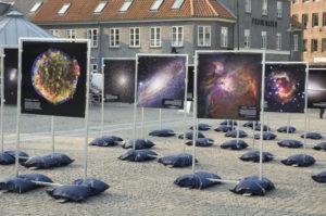 Plakatudstillingen fra 2009, opstillet i Roskilde.