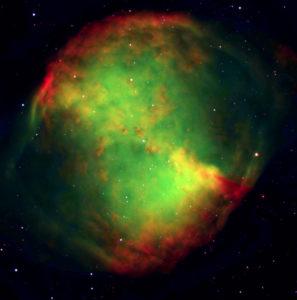 Håndvægten - Messier 27. Æbleskrogformen fremgår tydeligt. Billedet er optaget med Very Large Telescope på Paranal i Chile. Foto: ESO