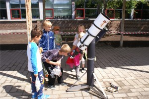Wieth-Knudsen Observatoriets solkikkert på Bjørnehøjskolen i Annisse 20. juni 2014. Foto: Michael Quaade.